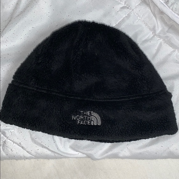 6702cb982 The North Face winter hat